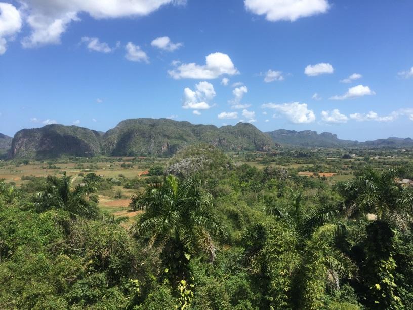 Kuba: Daiquiri s Hemingwayom a prečo tu nekráčajte popod balkóny